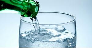 Газована вода - користь чи шкоду несе вона?