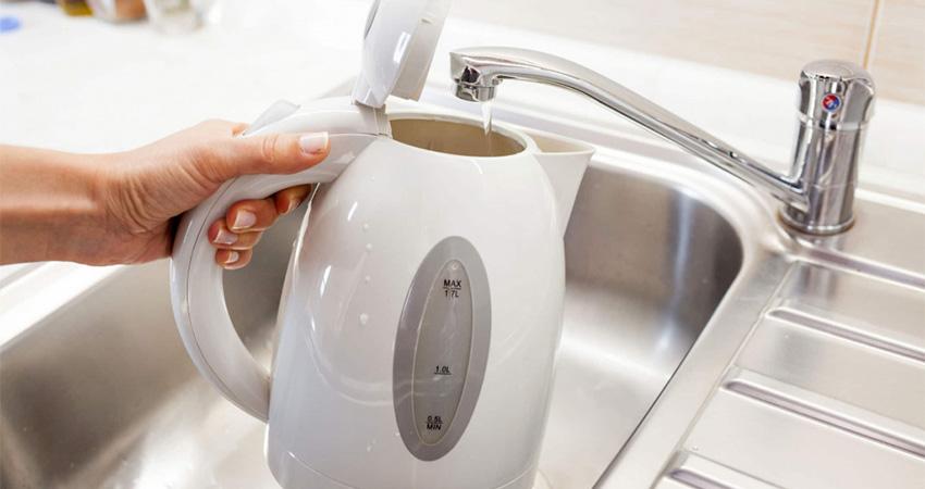 Вода для чайника: яку можна заливати?